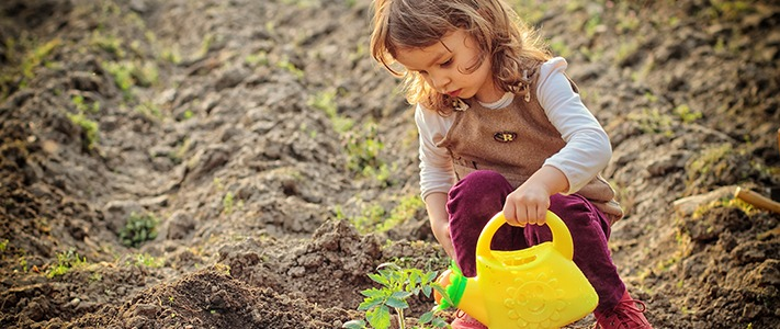 gardening-with-kids-feature